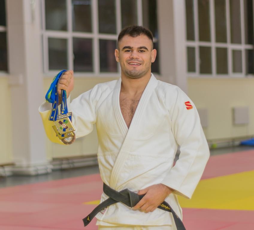 Cautarea femeii judo Sau intalni i femeile musulmane