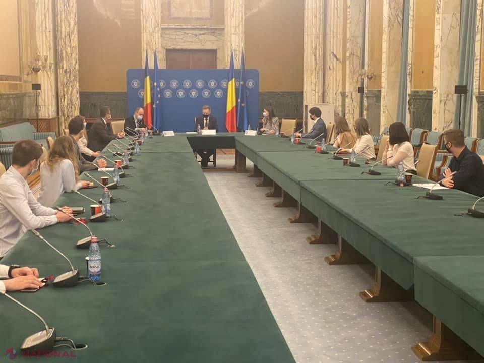 """Problemele STUDENȚILOR basarabeni care studiază în România, pe agenda Palatului Victoria: Adrian Dupu:""""Studenții din R. Moldova, reprezintă unul din exemplele concrete ale sprijinului consistent oferit de România pentru cetățenii din stânga Prutului"""""""