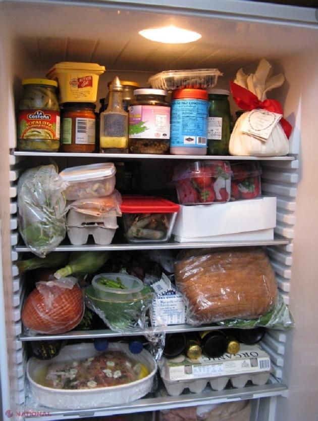 UTIL // Ce să pui în frigider ca să nu mai miroase urât. Remedii naturale pentru mirosul din frigider