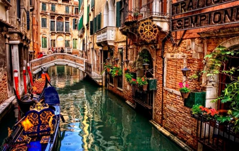 Cum vor să-şi redeschidă turismul pentru străini Grecia, Italia, Spania şi Franţa
