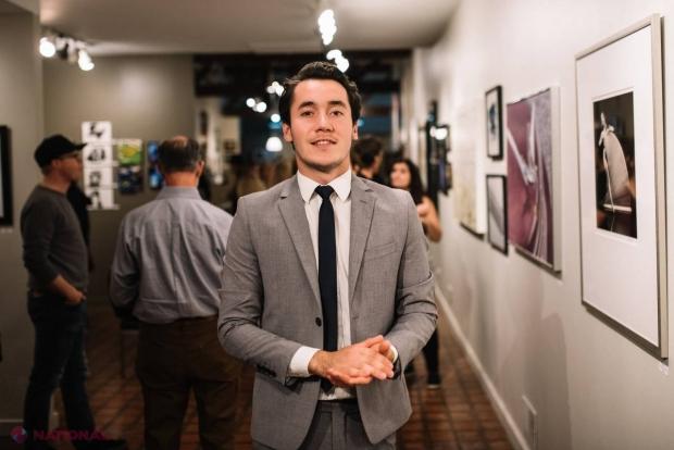Un tânăr din Chișinău și-a vernisat propria EXPOZIȚIE la Staten Island Creative Gallery din New York